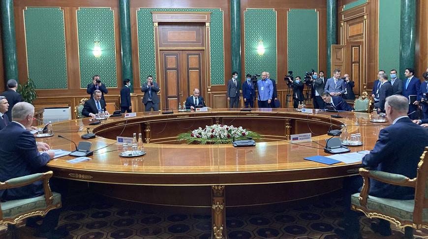 Во время заседания. Фото Совбеза