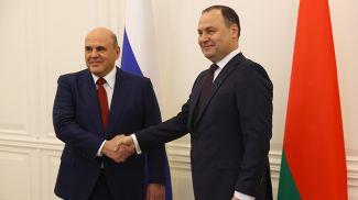 Михаил Мишустин и Роман Головченко