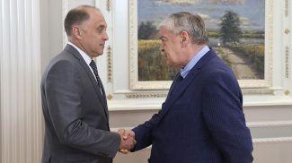 Александр Вольфович и Евгений Лукьянов во время встречи
