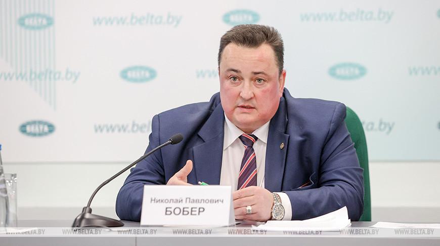 Николай Бобер во время пресс-конференции