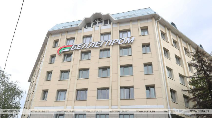 'Беллегпром' прорабатывает возможности поставок льна в Таджикистан