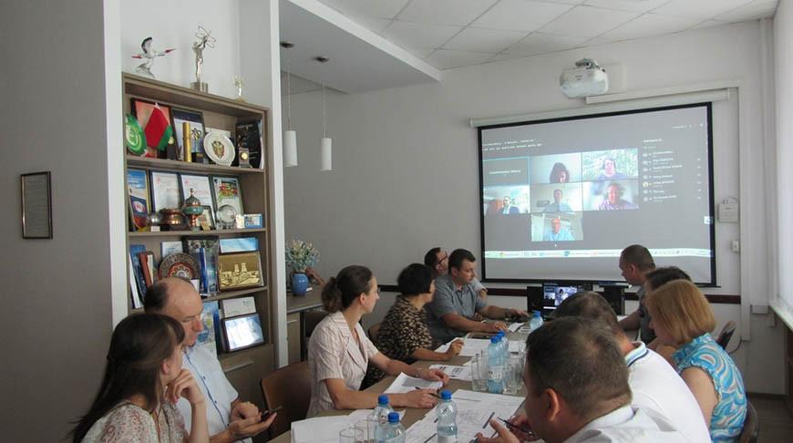 Во время совещания. Фото gosatomnadzor.mchs.gov.by