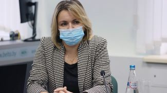 Елена Хроменкова во время круглого стола
