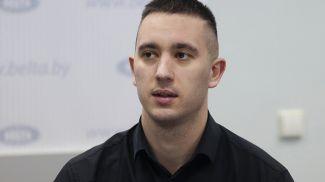 Дмитрий Храпков во время круглого стола