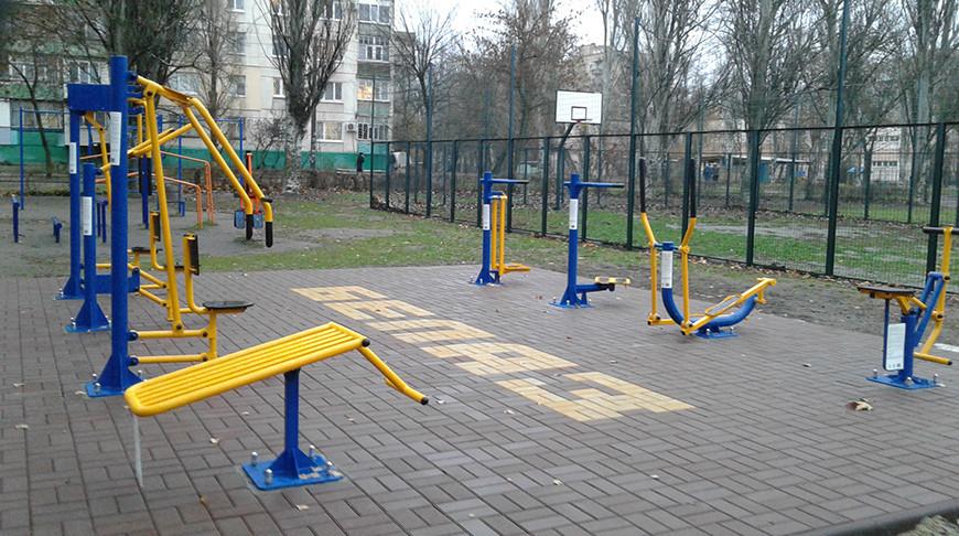 БЕЛАЗ обустроил детскую спортивную площадку в украинском Мелитополе