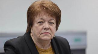 Эмилия Коломиец во время круглого стола