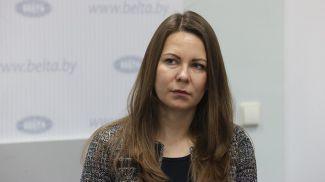 Александра Гончарова во время круглого стола