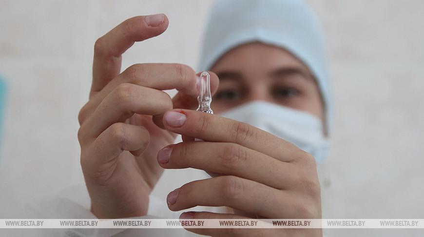 Белорусская вакцина будет эффективна против мутаций SARS-CoV-2 - ученый