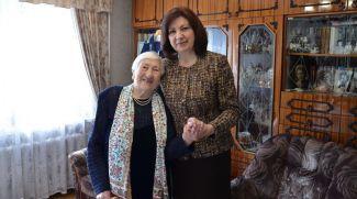 Валентина Чудаева и Наталья Кочанова. Фото Совета Республики
