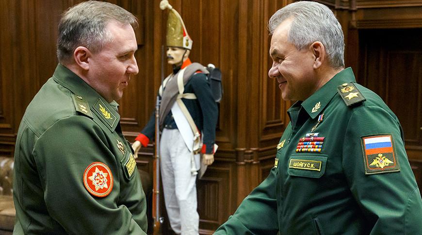Виктор Хренин и Сергей Шойгу. Фото ТАСС