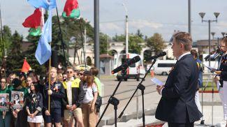 Игорь Петришенко во время торжественного открытия третьего трудового семестра