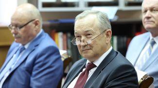 Сергей Чижик во время форума