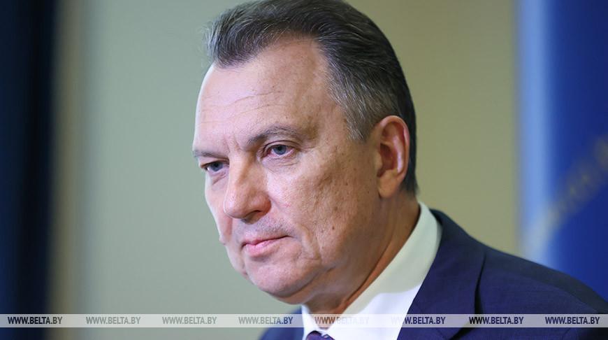 Владимир Улахович во время заседания