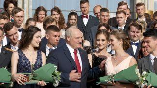 Александр Лукашенко принял участие в открытии Республиканского бала выпускников учреждений высшего образования, 2021 год