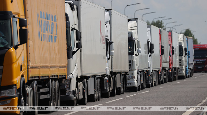 Выезда из Беларуси в ЕС на границе ожидает около 1 тыс. фур