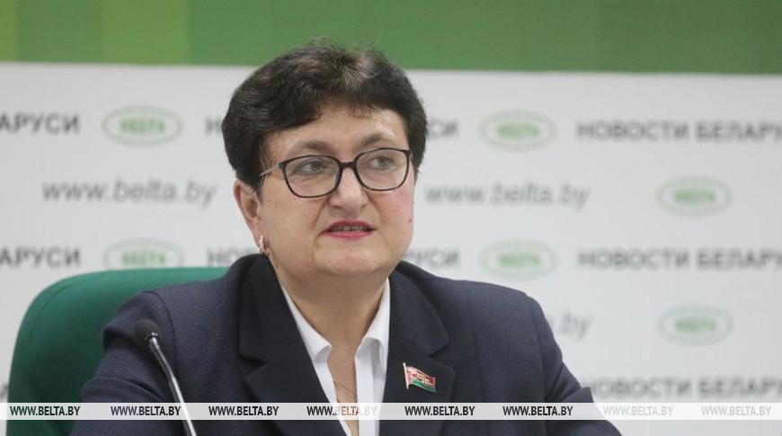 Депутат: в программе социально-экономического развития до 2025 года сделан акцент на укреплении института семьи