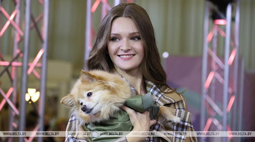 Финалистки конкурса «Мисс Беларусь» вышли на подиум вместе с бездомными животными