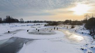 Ледяной круг на реке Лесной