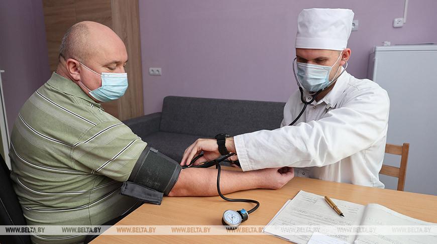 Прием пациента ведет заведующий отделением врач-реабилитолог Владимир Шорин
