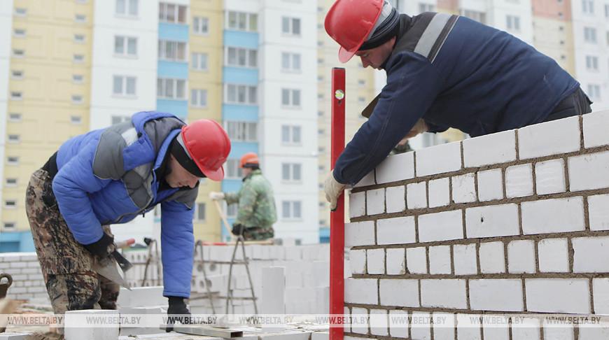 В Барановичах завершается строительство школы