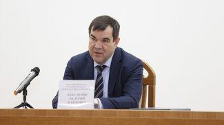 Помощник Президента - инспектор по Брестской области Валерий Вакульчик во время встречи с коллективом предприятия