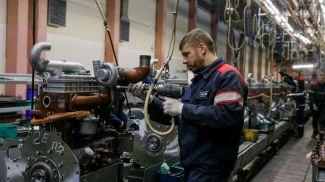 Фото из архива. Минский моторный завод