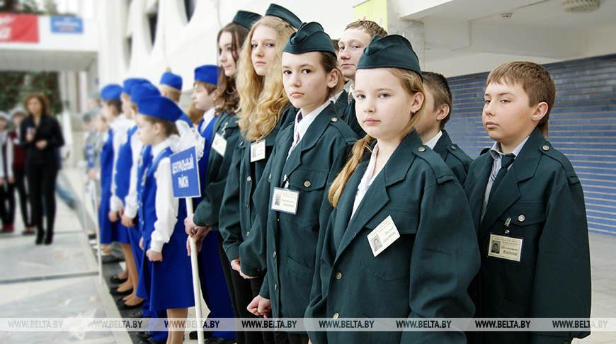 Во время слета юных инспекторов движения. Фото из архива