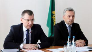 Председатель Государственного таможенного комитета Владимир Орловский (слева) посетил Брестскую область. Фото ГТК