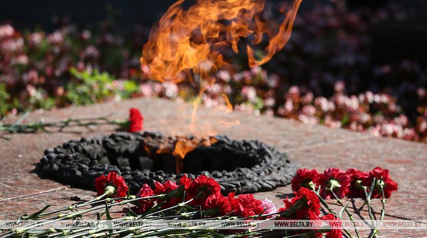 """В Гродненской области стартовала эстафета передачи Вечного огня """"80 лет скорби и памяти"""""""