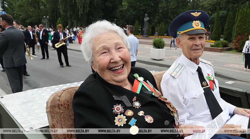 Ветераны войны Аэлита Самсонова и Алексей Пименов