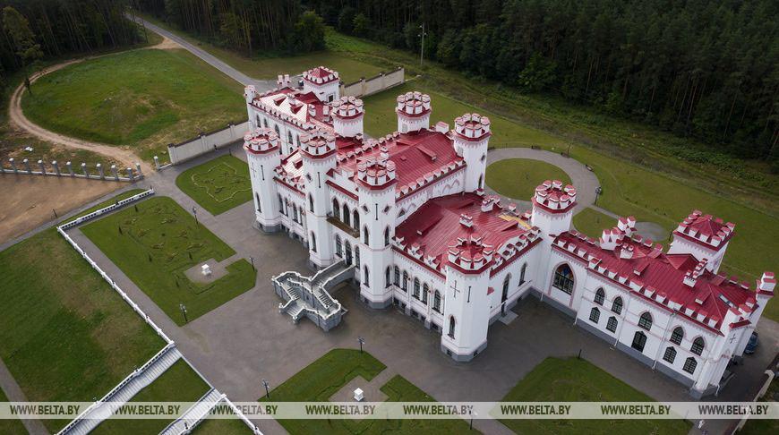 Продолжается реставрация дворца Пусловских в Коссово – первого неоготического дворца на территории современной Беларуси, построенного в 1836 году