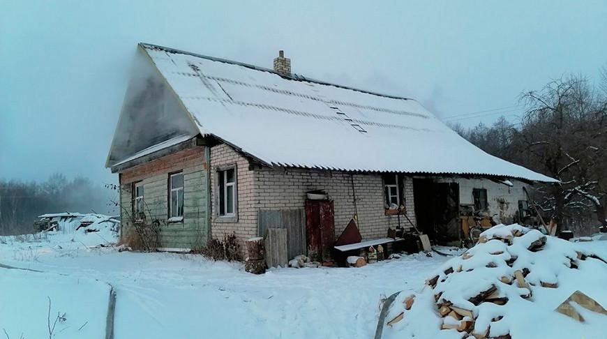 Пожар в деревне Рубеж. Фото Витебского областного управления МЧС Республики Беларусь