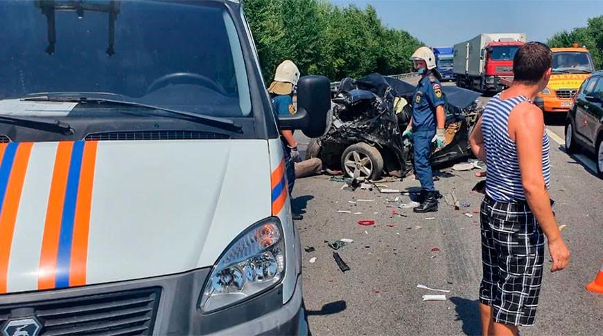 ДТП с участием девяти автомобилей в Ростовской области - 3 человека погибли
