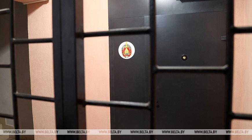 Трое минчан сбросили с балкона дверь на милиционеров - виновные задержаны