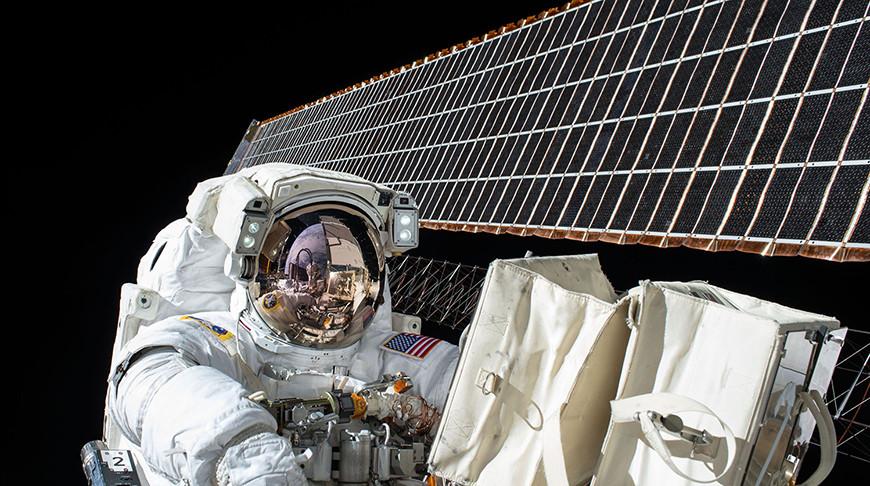Астронавты NASA вышли в космос для подготовки к установке новых солнечных батарей на МКС