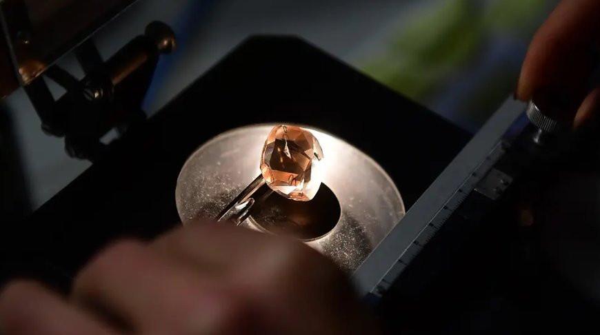 Самое прочное в мире стекло разработали в Китае