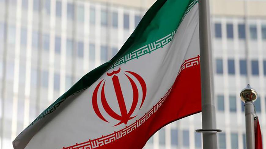 Флаг Ирана у штаб-квартиры МАГАТЭ в Вене. Фото  Reuters
