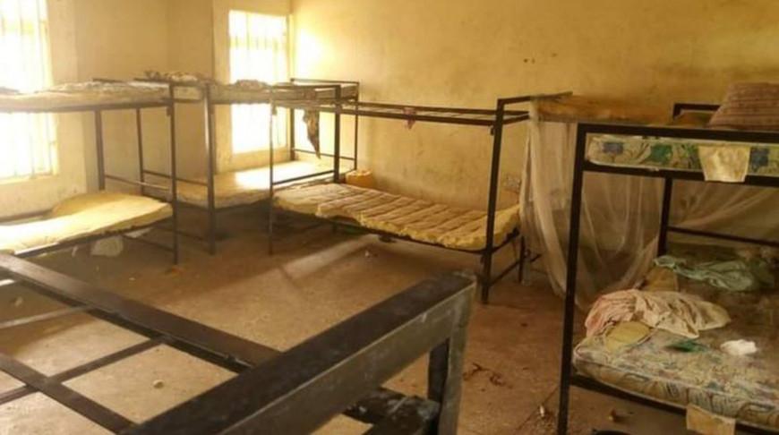Боевики ворвались в общежитие, разбудили школьниц и увели их в лес. Фото  ВВС
