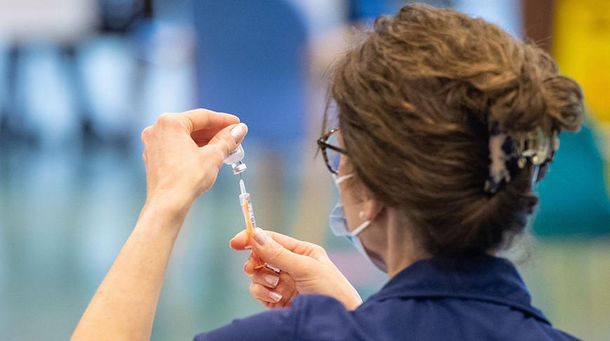 В Великобритании семеро привитых AstraZeneca умерли после образования у них тромбов
