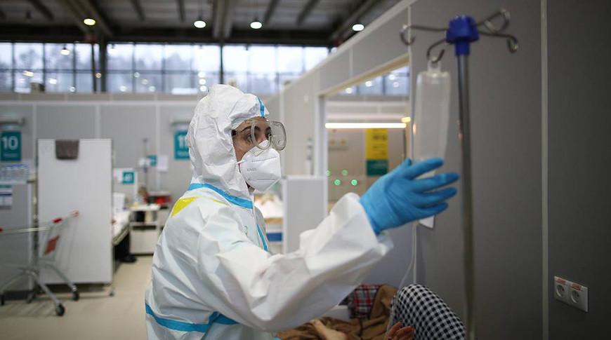 В России за сутки выявили 8996 случаев заражения COVID-19
