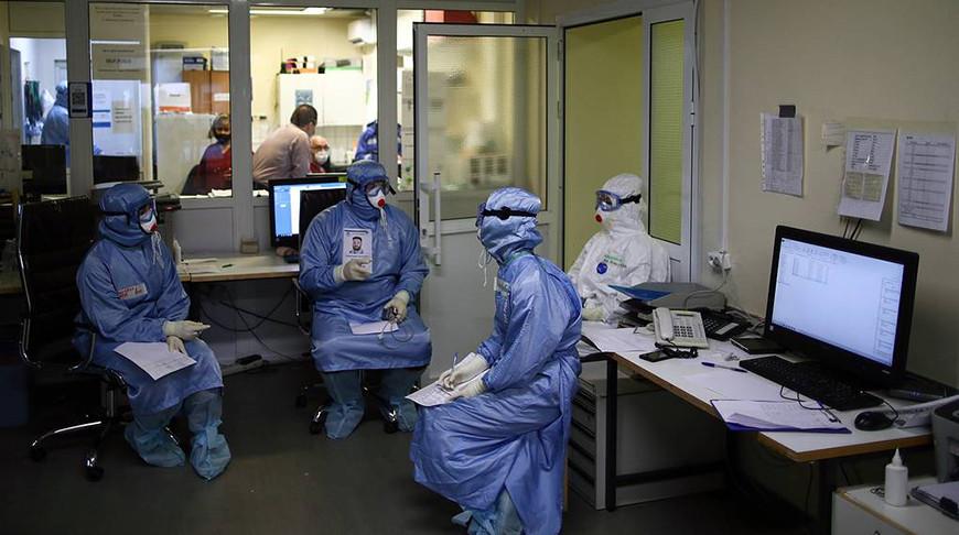 В России за сутки выявили 8803 случая заражения COVID-19