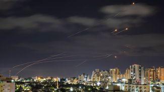 """Работа израильской системы ПВО """"Железный купол"""". Фото  Reuters"""