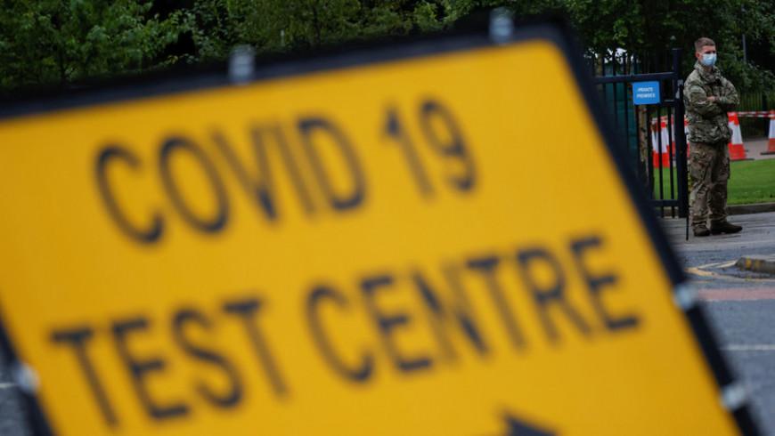 За сутки в Великобритании зафиксировали 2412 случаев коронавируса