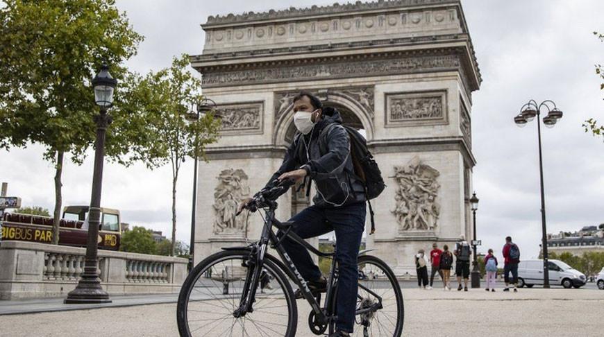Масочный режим сохранится во Франции как минимум до конца июня