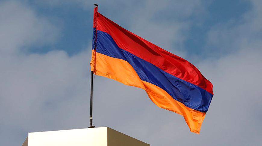 В Армении началось электронное голосование на внеочередных выборах в парламент