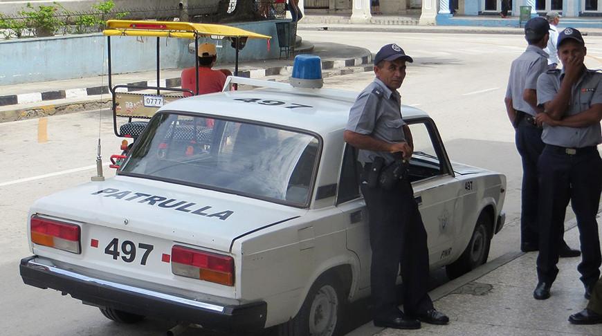 Полиция Кубы. Фото Dickelbers