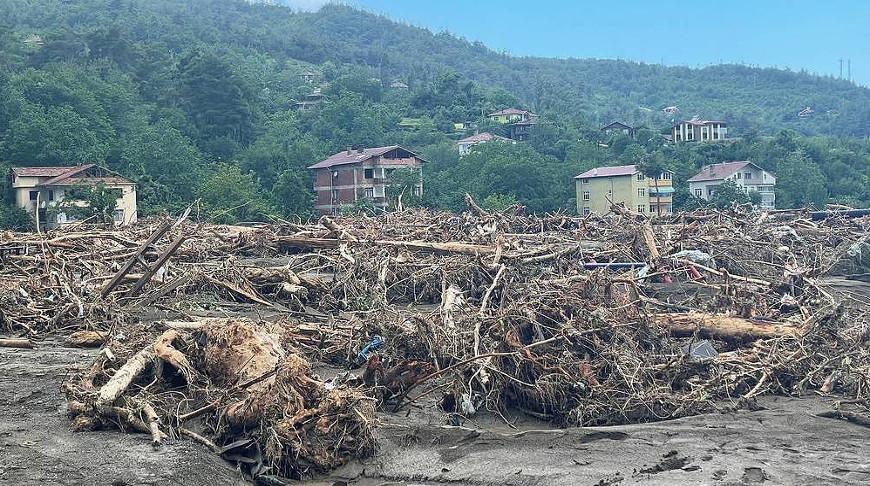Число погибших в результате наводнений в Турции увеличилось до 62