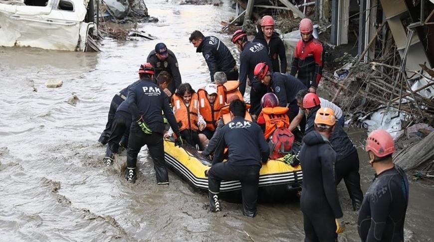 Число погибших в результате наводнений в Турции возросло до 77