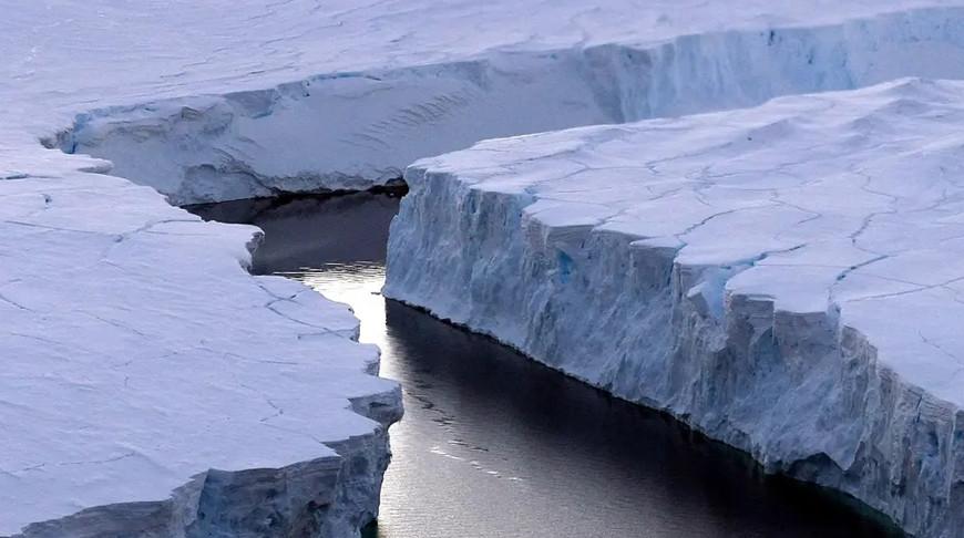 Под антарктическим ледником нашли геотермальную активность