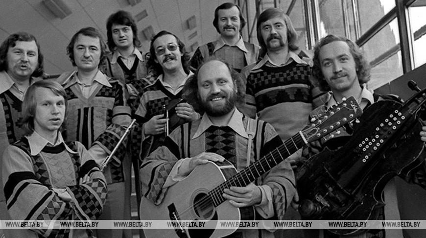 Объединенные музыкой 'Песняров' картины представили в НЦСИ